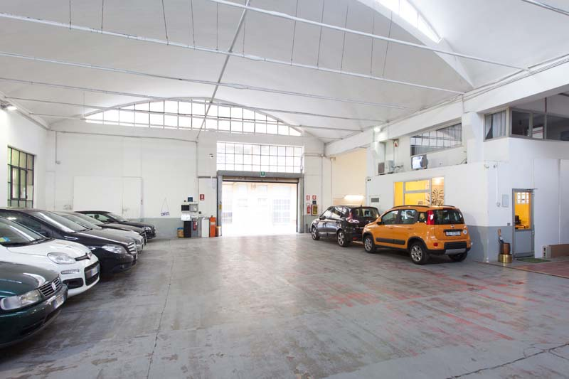 Autorimessa - Open space, Spazio industriale di 450mq in Via Tortona 20 | location disallestita 4