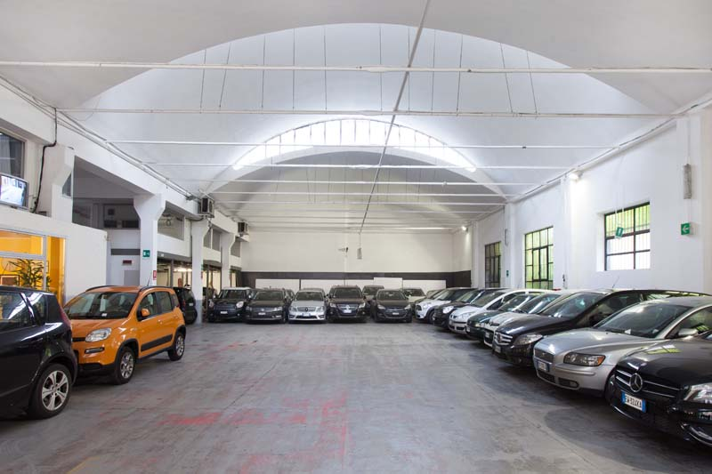 Autorimessa - Open space, Spazio industriale di 450mq in Via Tortona 20 | location disallestita 8