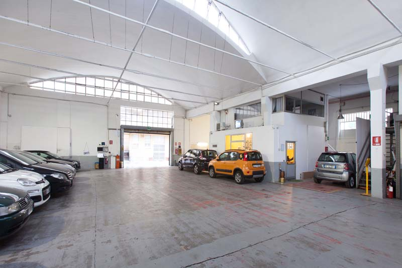 Autorimessa - Open space, Spazio industriale di 450mq in Via Tortona 20 | location disallestita 9