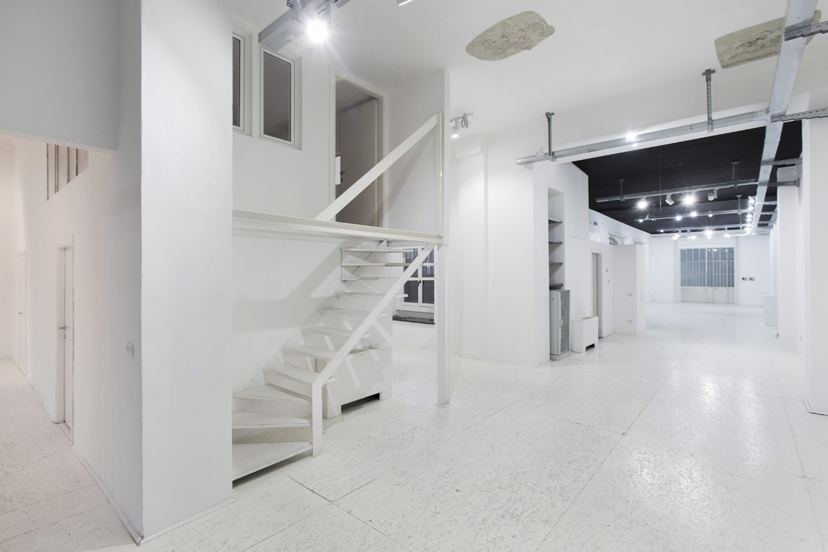 Production - Laboratorio, Open space, Showroom di 210mq in via Savona 53 | location disallestita 5