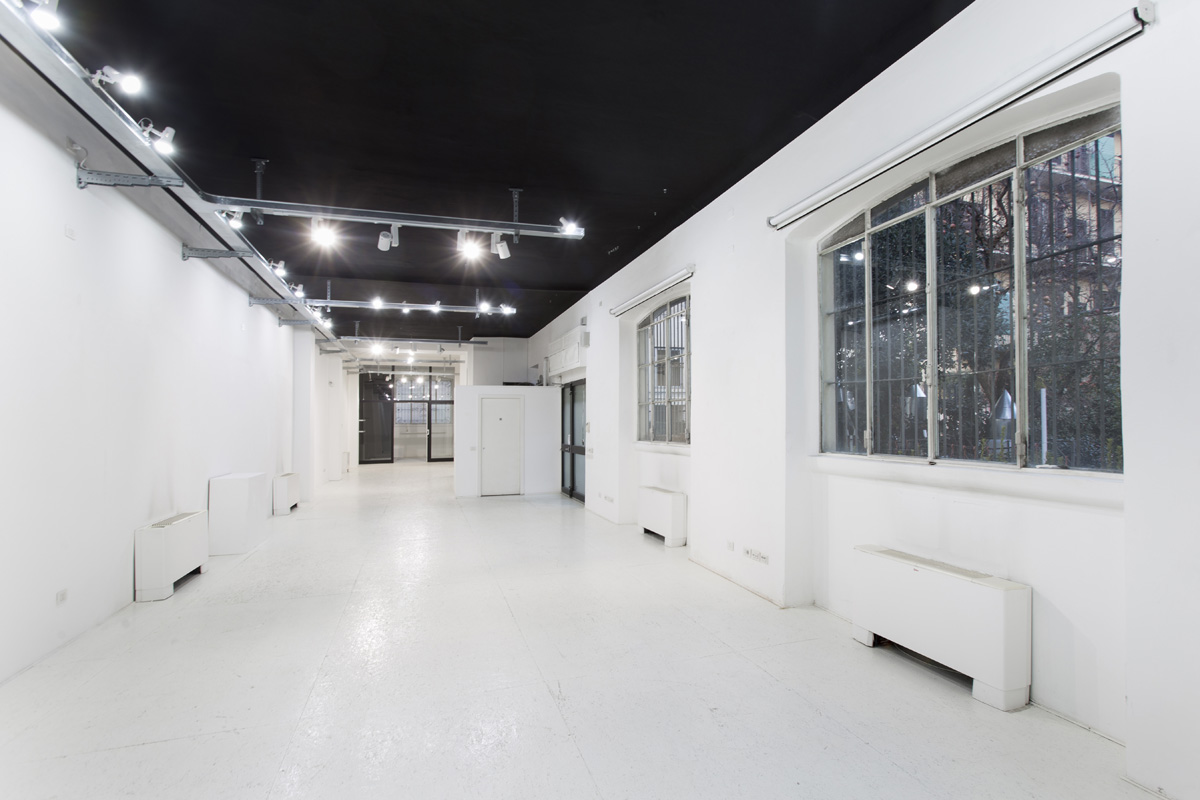 Production - Laboratorio, Open space, Showroom di 210mq in via Savona 53 | location disallestita 2