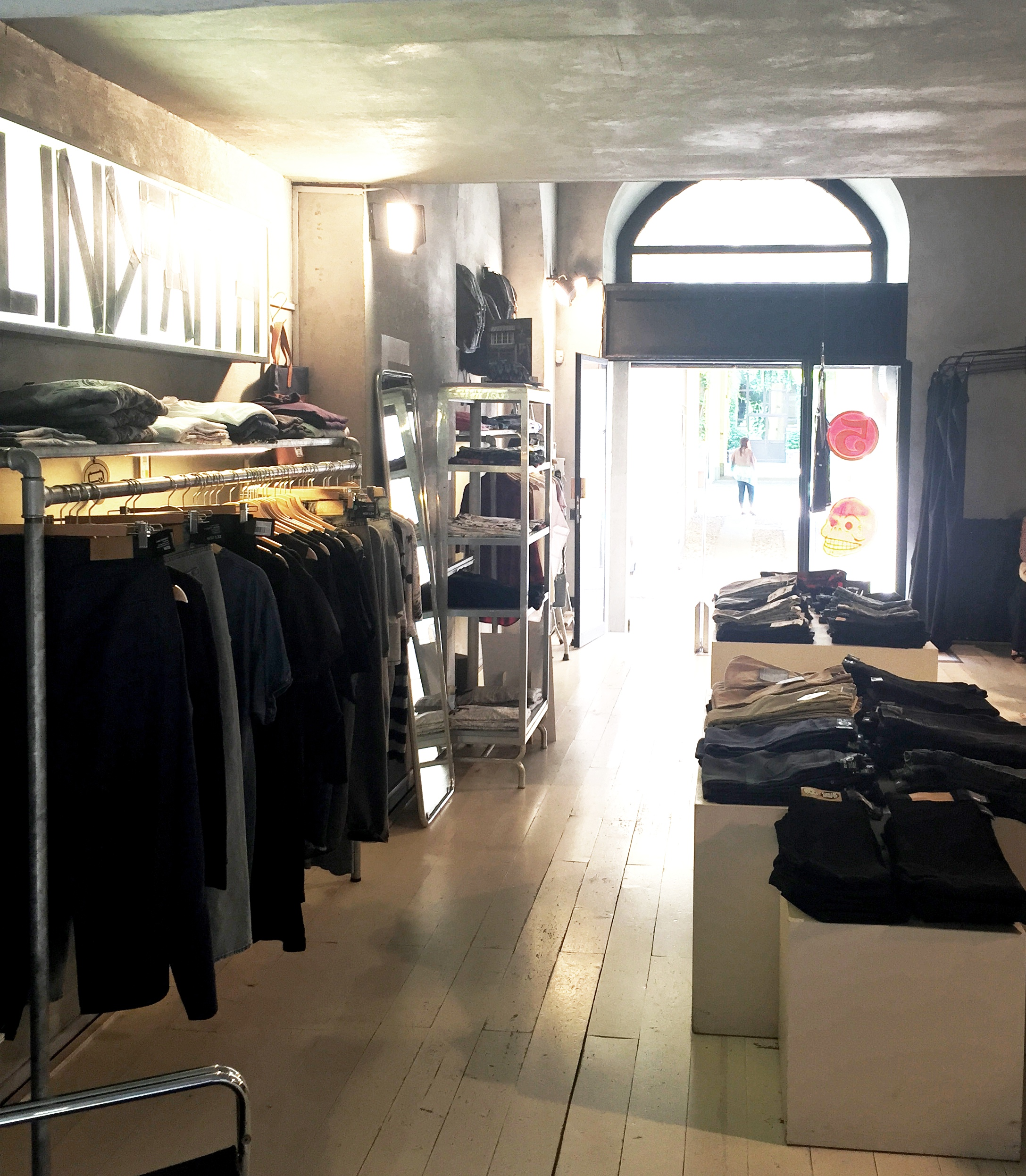 Tortona 5 - Loft, Negozio, Showroom di 50mq in Via Tortona 5 | location disallestita 3