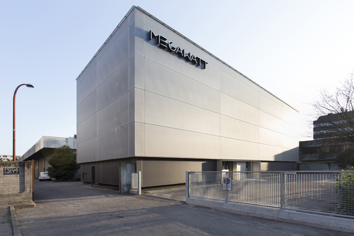 MegaWatt Court - Open space, Spazio eventi, Spazio industriale, Spazio outdoor di 9000mq in via Watt 15 | location disallestita 1