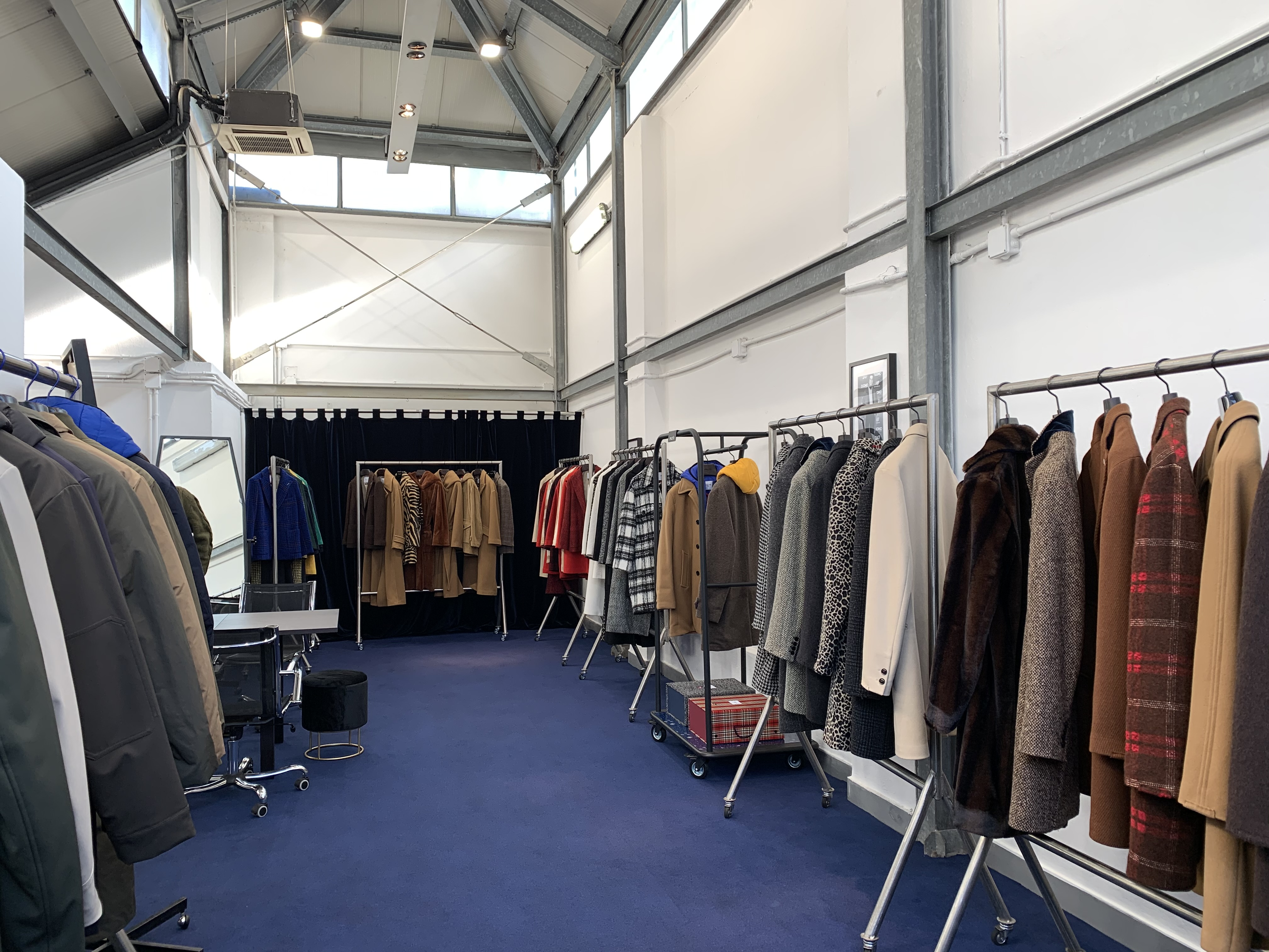 Sales campaign FW2020 - Paltò in Via Tortona 31 - 1