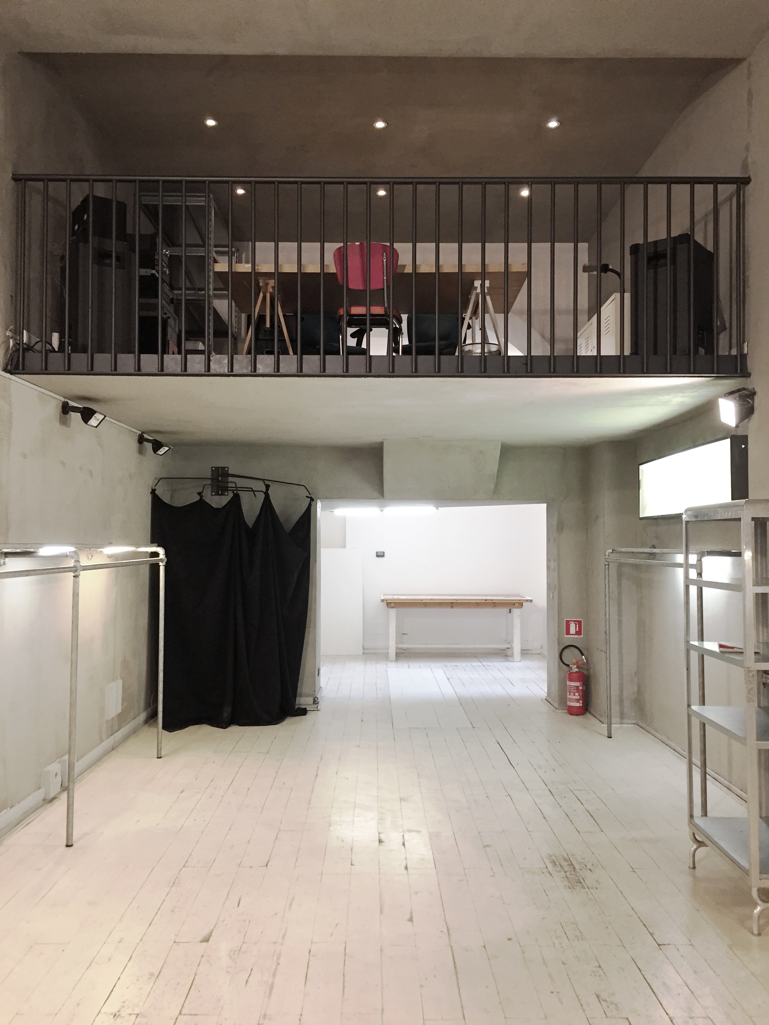 Tortona 5 - Loft, Negozio, Showroom di 50mq in Via Tortona 5 | location disallestita 2