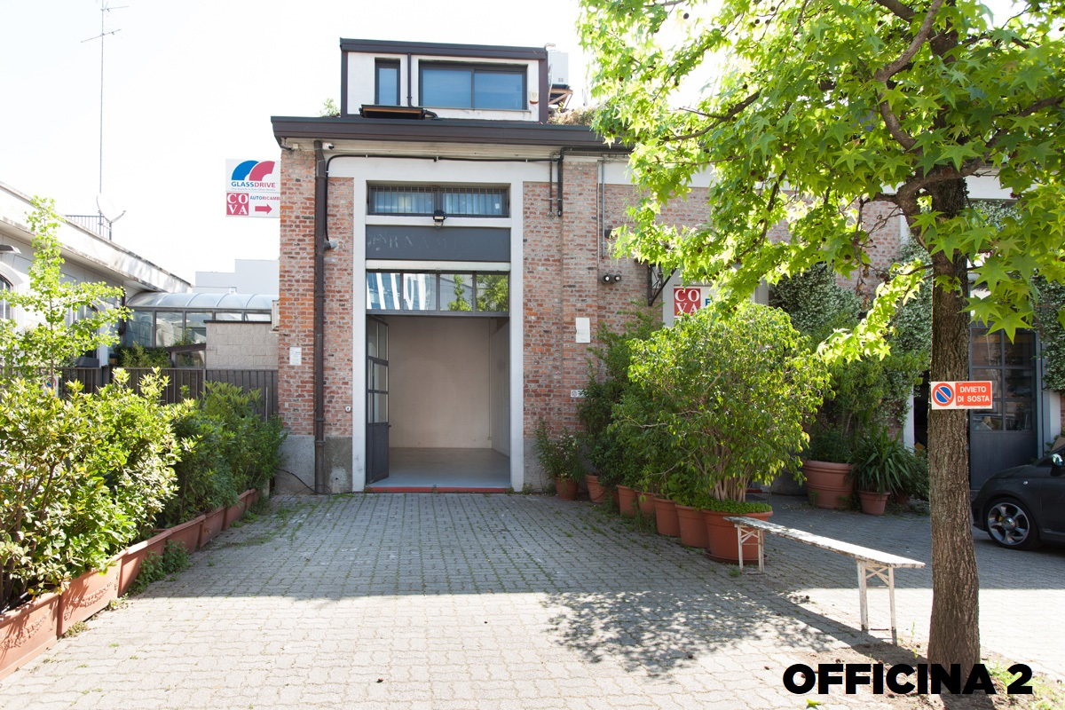 Opificio 31-Officine Cova - Officina, Open space, Showroom, Spazio outdoor di 320mq in Via Tortona 31 | location disallestita 6